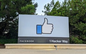 Facebookシステム障害